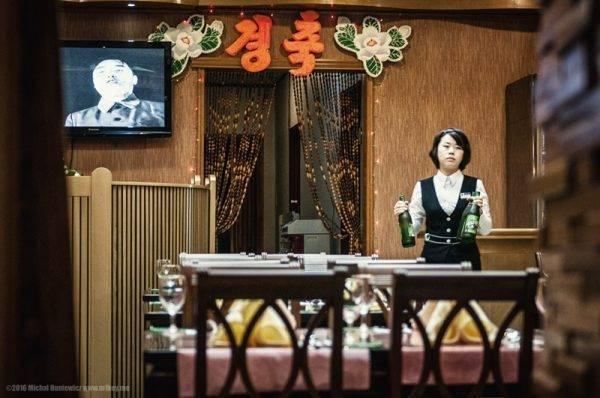 20-garconete-hotel-coreia-do-norte