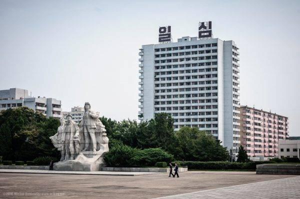 23-coreia-do-norte-esculturas