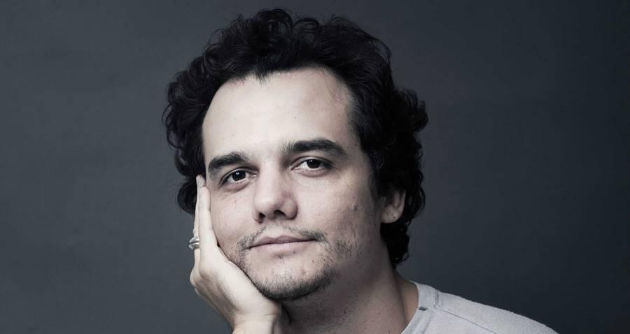 Antigamente, Wagner Moura entrevista outras celebridades como repórter