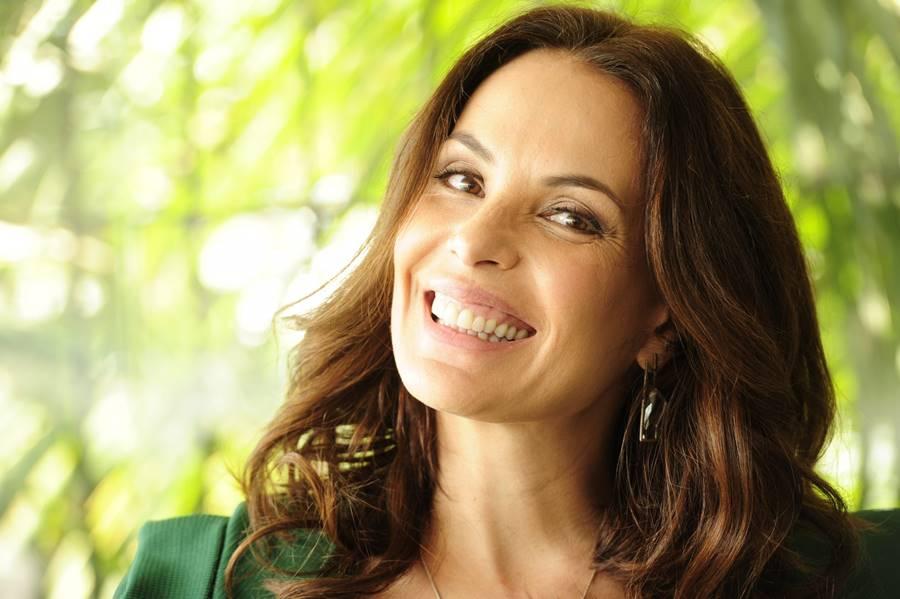 A atriz Carolina Ferraz era bailarina antes de alcançar a fama