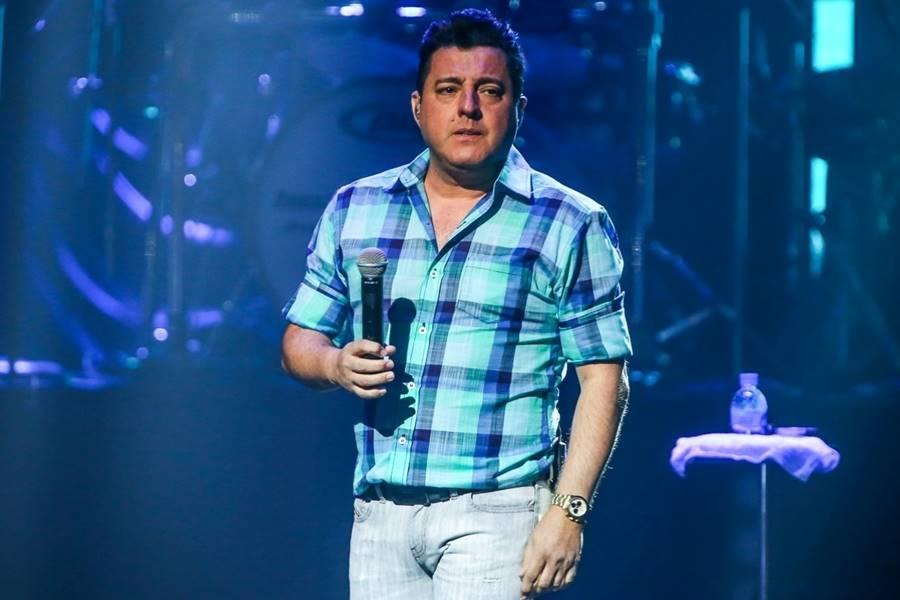 O cantor Bruno, da dupla Bruno e Marrone, já ganhou a vida como atendente de farmácia