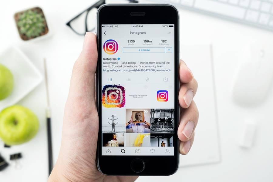 Instagram rodando no smartphone