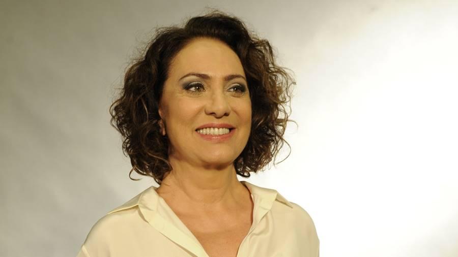 A atriz Eliane Giardini era ouvida por muitas pessoas enquanto trabalhava como telefonista