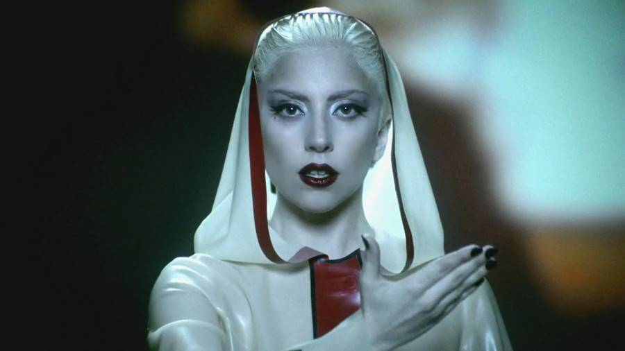 Lady Gaga e seus clipes macabros