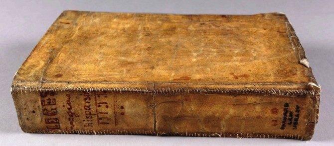 Algumas capas de livros do século 17 eram feitas com pele humana (1)